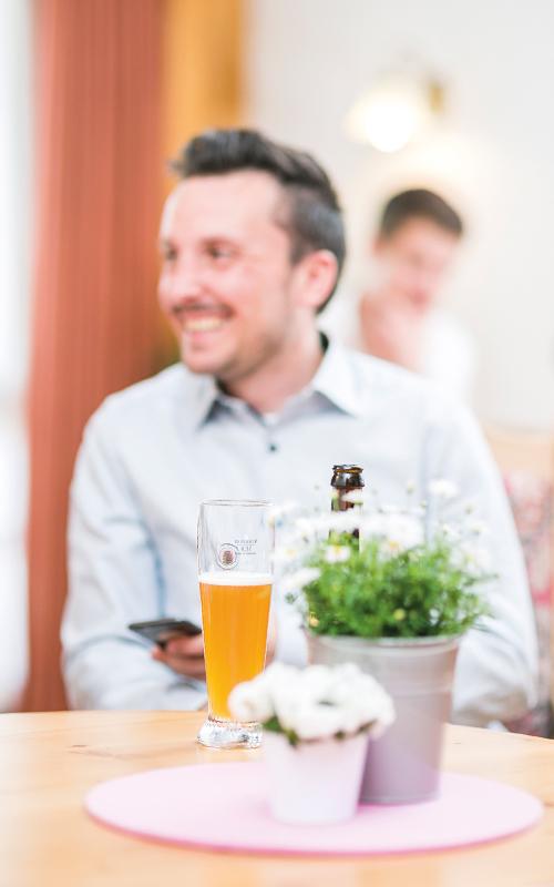 Ein Bier nach einem schönen Tag im Hotel
